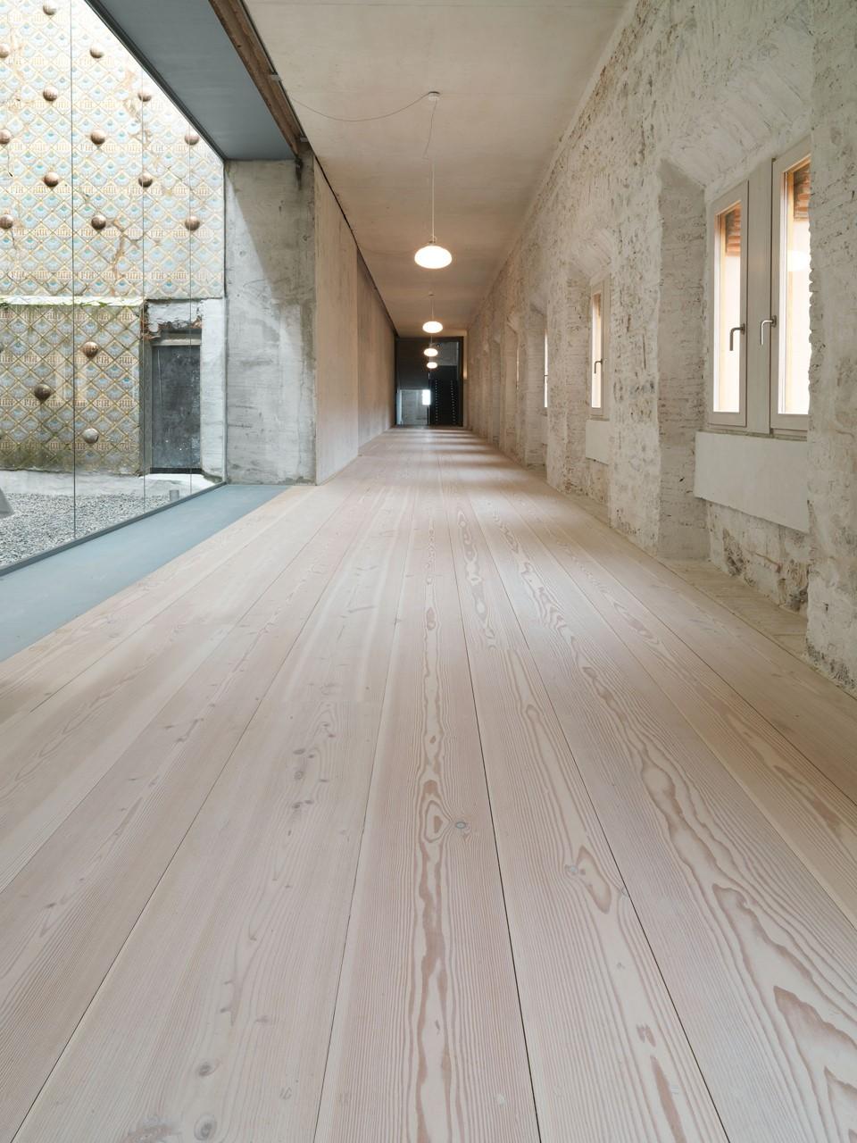 douglas-plank-floor-restoration_lye-white-soap_comillas-university-spain_dinesen.jpg