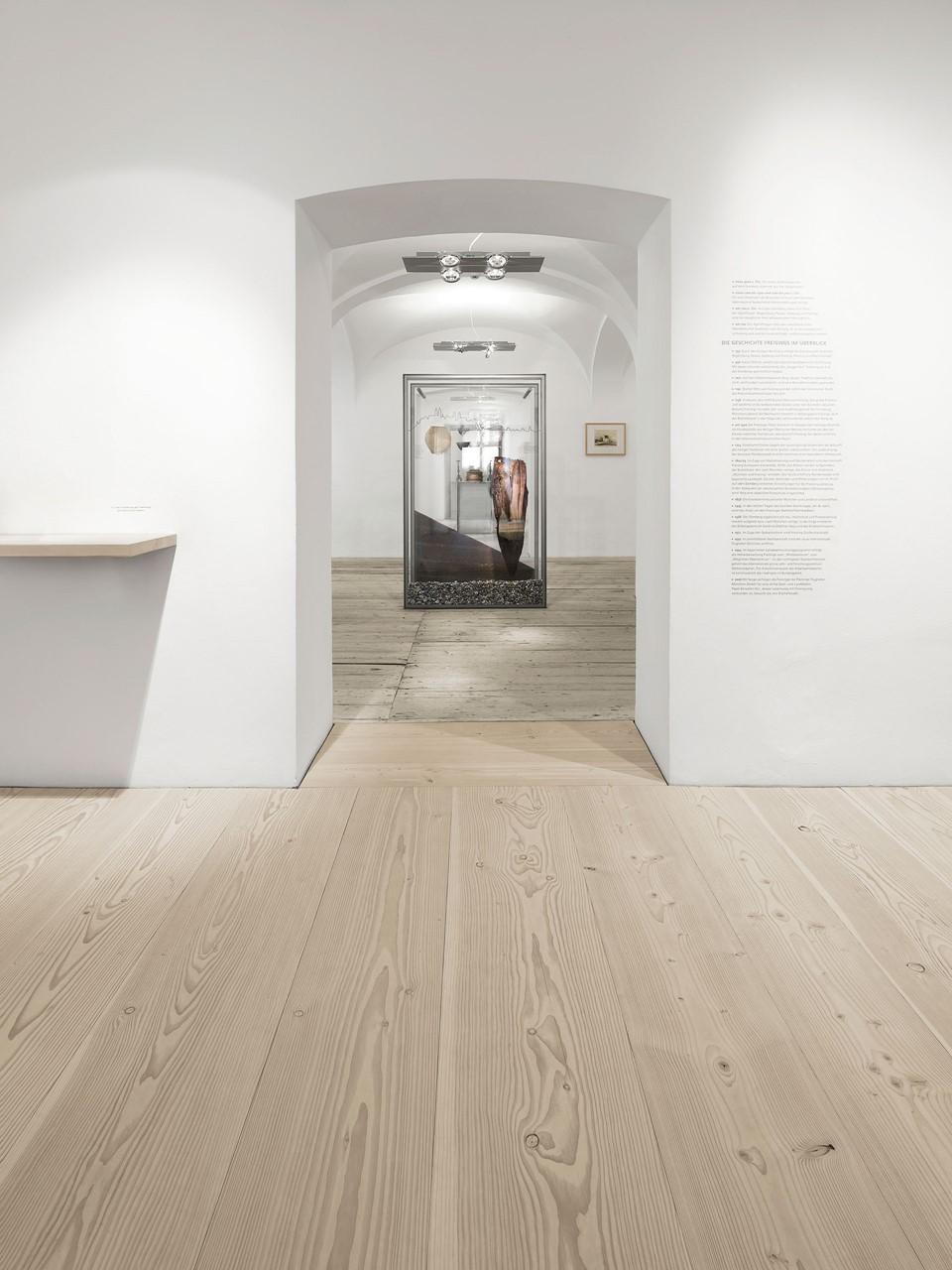 douglas-flooring_lye-natural-soap_stadtmuseum-freising_dinesen.jpg