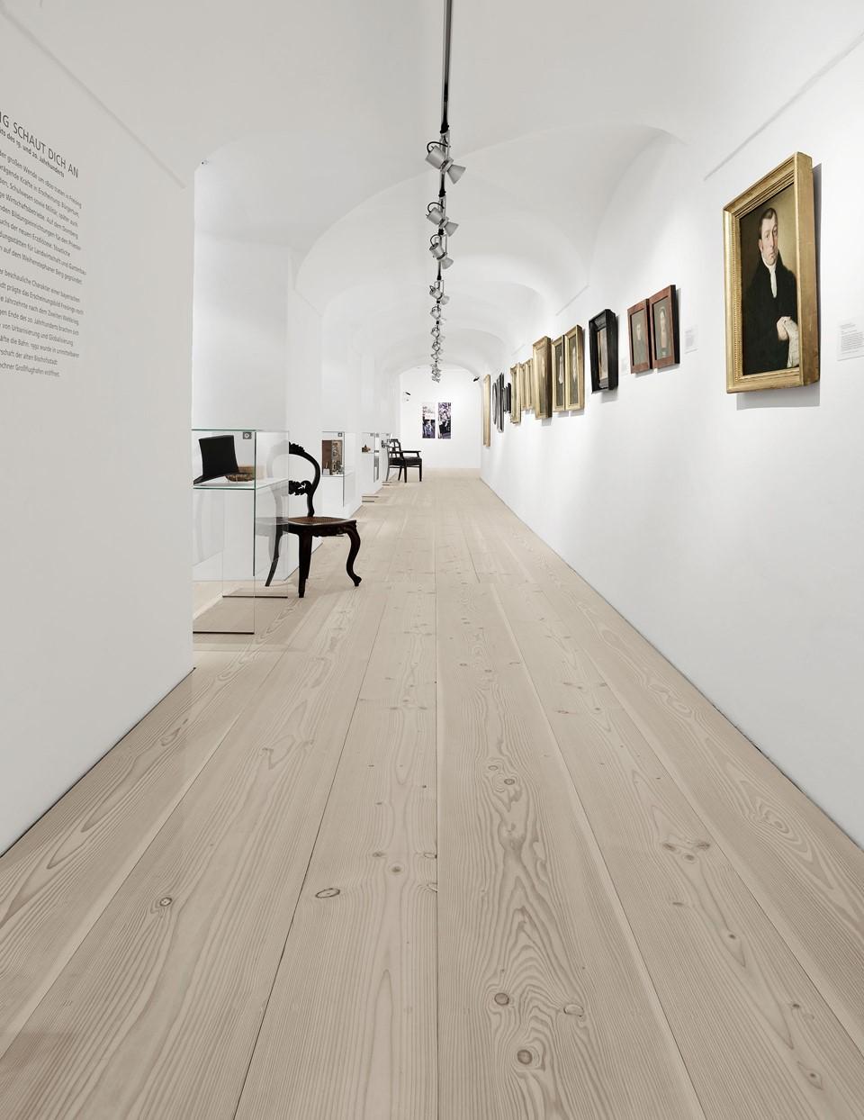 douglas-wood-floorboards_lye-natural-soap_stadtmuseum-freising_dinesen.jpg