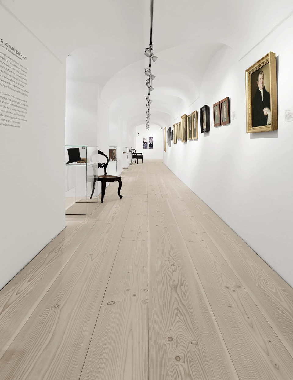 douglas-wood-floorboards_lye-natural-soap_stadtmuseum-freising_dinesen.jpg