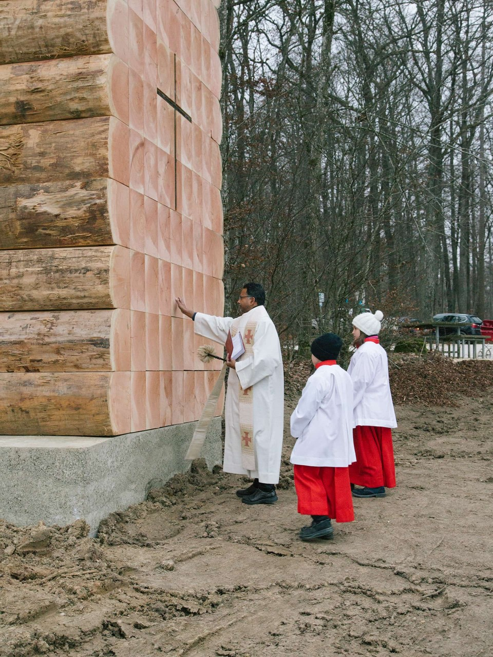chapel-blessing_john-pawson_bayern_dinesen-wood.jpg