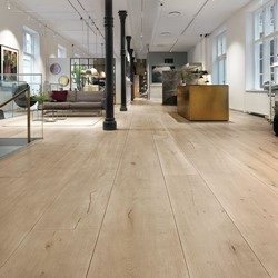 HeartOak-flooring-Fritz-Hansen-CPH-.jpg