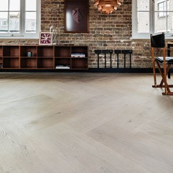 Douglas&Oak-flooring-Carl-Hansen-Showroom-London.jpg